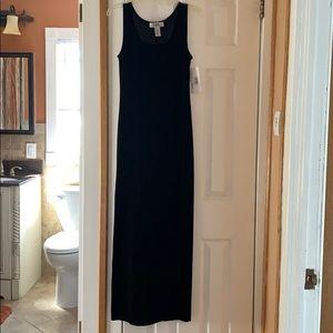 Black velvet dress. NWT Size. 8